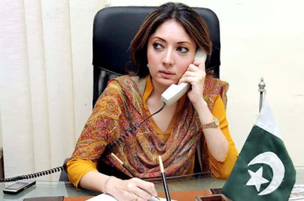 Sharmila Farooqi deprived of govt vehicle by robbers in Karachi