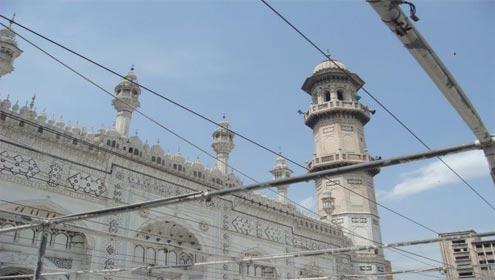 Pakistani Cricketers Par Namaz e Jumma Ky Liye Masjid Main Dakhly Par Pabandi