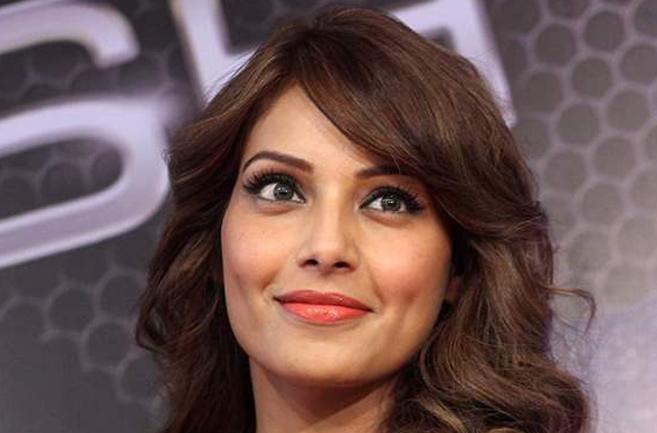 Breast Cancer Sy Mutaliq Agahi Mohim Ka Hisa Honay Par Khushi Hai: Bipasha