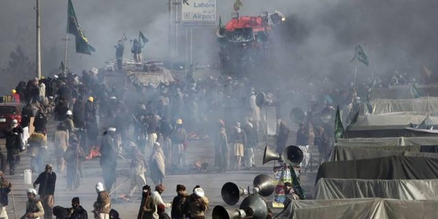 Faiz Abad Sit In Dharna Islamabad